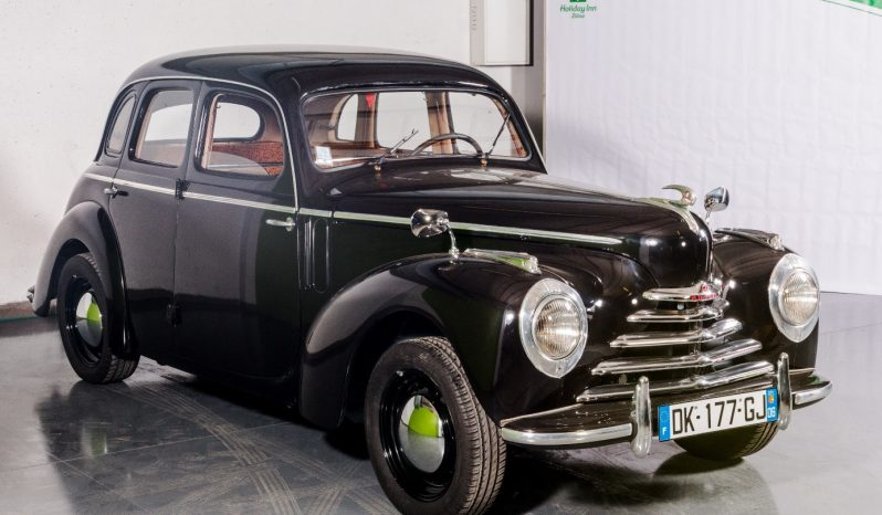 ŠKODA TUDOR 1102 sedan full